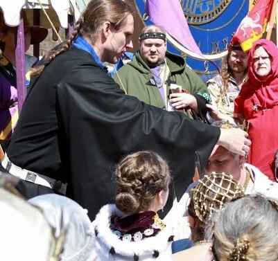 Edward crowns Gregor