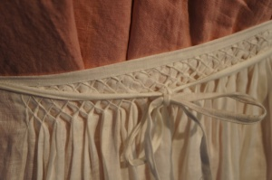 Detailing of front of apron.  Work and photo by Baroness Rainillt de Bello Marisco.