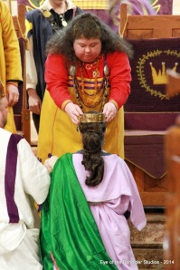 Queen Avelina crowns Her right and true successor