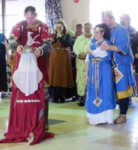 Prince Edward places the coronet on Princess Thyra