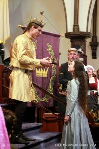 Crowning Thyra