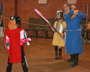 Sir Michael of York instructing fighters at Birka.  Photo by Lord Trentus Nubianus