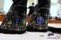 Embroidered gloves by Dona Anastasia da Monte