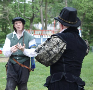 Lord Brendan Firebow teaching a class on Historic Rapier Combat
