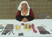 Lady Tola Knytr